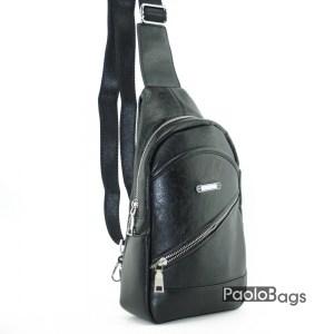 Черна кожена мъжка чанта евтина за през рамо на гръб или гърди тип раница банан сдиагонален цип с джоб и метални ципове черна