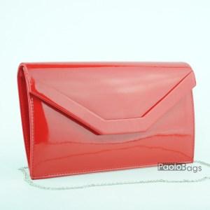 Лачена червена чанта тип клъч плик вечерна официална със стилен и елегантен дизайн