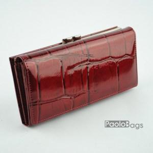 Дамско портмоне от естествена кожа лачено червено 20329