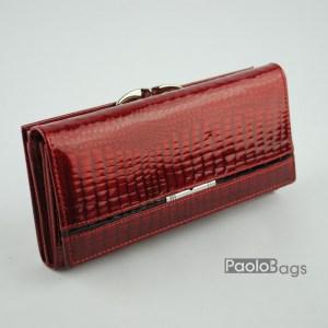 Дамско портмоне от естествена кожа лачено червено 20331