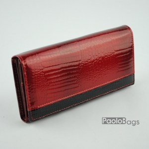 Дамско портмоне от естествена кожа лачено червено 20333