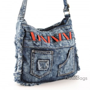 Дънкова дамска чанта за през рамо евтина лека и практична с декоративе цветен шев среден размер