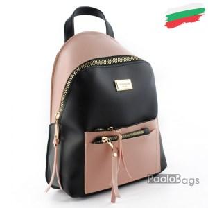 Дамска раница кожена българска с модерен дизайн и двоен преден джоб с ципове комбинация черно с розово